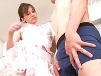 Petite slut doing her hot job