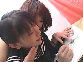 Three Japanese lesbos have fun