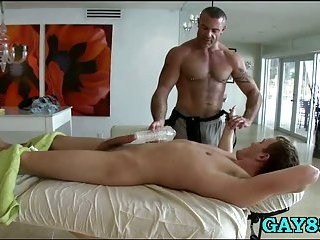 Hunky gay has a good fucking time