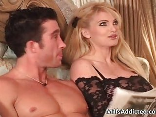 Big boobed MILF blonde gets that wet pussy fucked