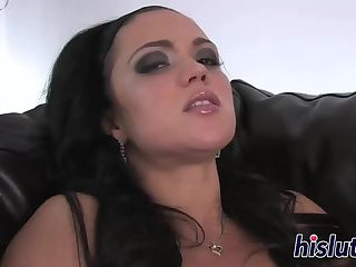 Janessa goes wild with her sex toy