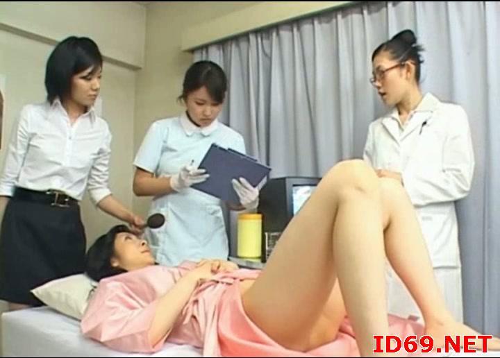 seks-yaponskogo-ginekologa-s-patsientkoy